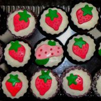 cupcakes-frutillitas-personalizados-caprichitos-dulces-4
