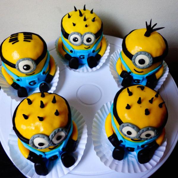 cupcakes minions especiales caprichitos dulces